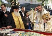 """Declarația uluitoare a unui pelerin după ce a vizitat moaștele Sfintei Parascheva: """"Fanatici religioși să se facă una cu racla prin îmbrățișare..."""""""
