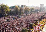 """Proteste la Catedrala Mitropolitană din Iaşi împotriva restricţiilor impuse de autorităţi. Pelerinii au strigat """"Duceţi-vă la diavol"""" şi """"Jos dictatura"""""""