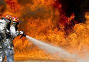 Incendiu puternic într-o casă din Timişoara. Un bărbat şi o femeie, transportaţi la spital cu arsuri