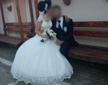 O altă mireasă confirmată cu coronavirus după nuntă. Ea este asistentă medicală ATI,...