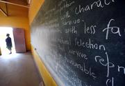 Școală luată cu asalt de teroriști: 4 elevi au murit pe loc. Alți copii uciși într-un atentat sinucigaș