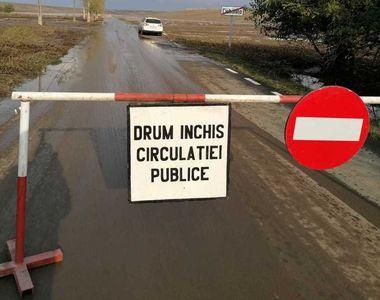 Drum judeţean închis din cauza inundaţiilor