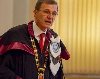 """Președintele Academiei Române, Ioan-Aurel Pop: """"Fac apel autorităţilor să lase teatrele..."""