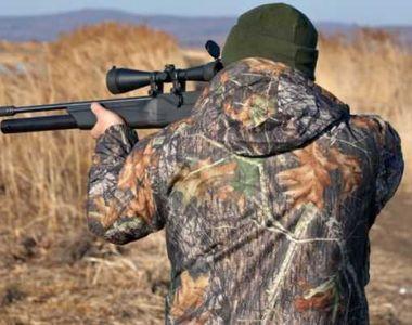 Scandal între paznici de vânătoare şi braconieri. Un bărbat de 35 de ani a fost...