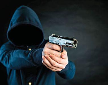 Poliția a găsit un posibil suspect pentru jaful de ieri de la o bancă din București