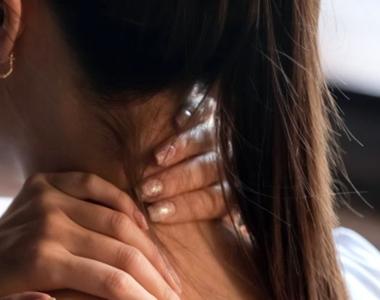 Ce trebuie să faci dacă ai gâtul înțepenit. Șapte exerciții eficiente
