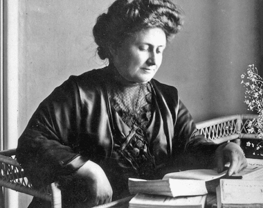 Cine a fost, de fapt, Maria Montessori și cum a devenit una dintre cele mai cunoscute...