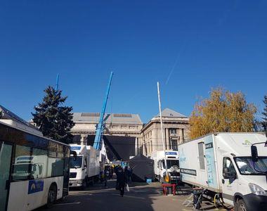 VIDEO - Ocolul Pământului are loc în România, în gara din Ploiești