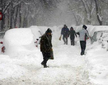 """VIDEO - Decembrie începe în forță cu aer polar și ninsori. """"Iarnă adevărată""""..."""