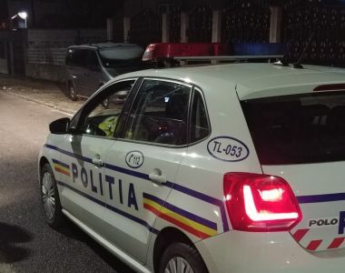 Accident grav în București! Un șofer beat s-a răsturnat cu mașina pe linia de tramvai