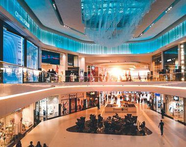 Programul mall-urilor de 1 decembrie. Care este orarul de funcționare în această zi