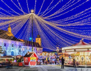 VIDEO - Beculețele de Crăciun s-au aprins deja în orașele României