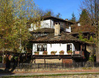 Țara în care locuitorii își oferă gratuit casele din zonele rurale