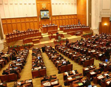 Cine sunt parlamentarii și senatorii care vor reprezenta diaspora la Alegerile...
