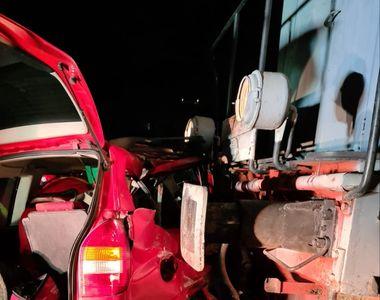 VIDEO - Două fetițe, în pericol de moarte. Accident cumplit cu trenul