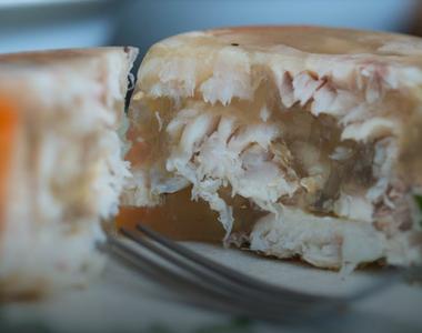 Cea mai gustoasă piftie de peşte ca în Delta Dunării. O rețetă altfel de sărbători