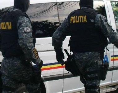 Cinci persoane care acordau bani cu camătă au fost reținute de către procurorii DIICOT....
