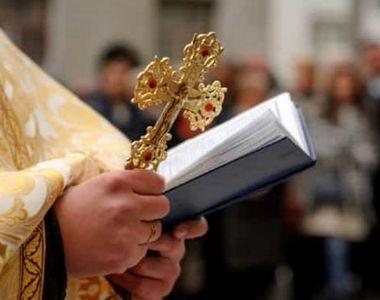 Noi reguli pentru zilele de Sărbătoare. Cum vor veni preoții la tine acasă