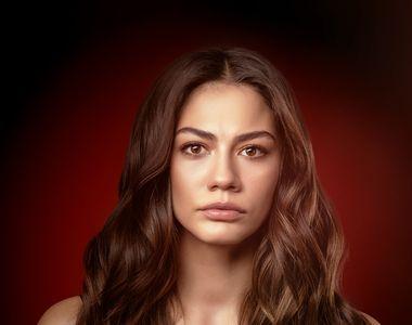 Află cine îi stă alături, la bine și la greu, frumoasei actrițe Demet Ozdemir, Zeynep,...