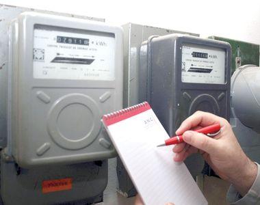 Atenție: curentul electric s-ar putea scumpi cu până la 26%! Ce trebuie să facă toți...