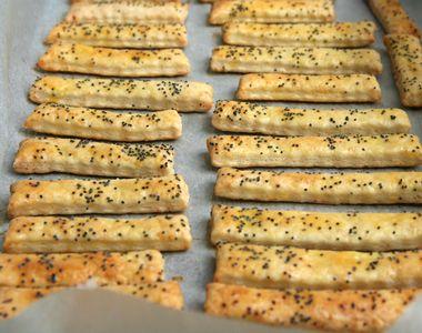 Rețetă sărățele cu brânză pentru masa de Revelion