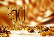 """La mulți ani! Cele mai frumoase mesaje și SMS-uri  de Anul Nou pe care să le trimiți de Revelion 2021: """"Multă sănătate şi La Mulţi Ani, să ai mai mulţi fani decât duşmani!"""""""