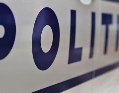 O maşină de poliţie şi o ambulanţă s-au ciocnit, doi poliţişti fiind răniţi grav