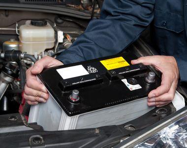 Ce să faci dacă îți moare bateria mașinii în timpul iernii