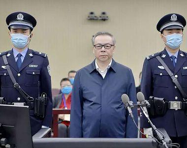 A fost condamnat la moarte pentru corupție și bigamie
