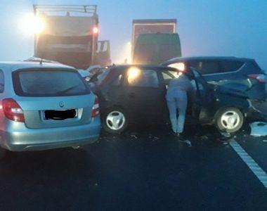 Accident grav! Peste zece autoturisme implicate și mai multe persoane rănite