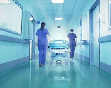 Câți bani câștigă, de fapt, un brancardier care lucrează în spitalele din România