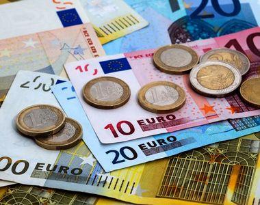 Curs valutar BNR azi, 8 ianuarie 2021. Ce valoare are moneda euro