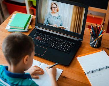 VIDEO - În ianuarie 2021, elevii încep cursurile tot în sistem online