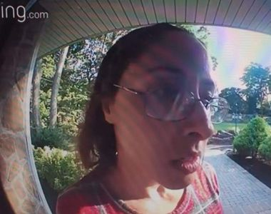 VIDEO| Caz șocant între un curier și un client. Totul a pornit de la bacșișul primit