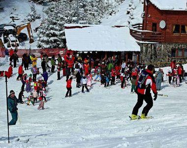 VIDEO - Bogăție în stațiunile montane datorită ninsorilor abundente