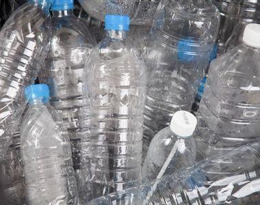 Cum poti să primesti bani pe sticlele de plastic pe care le returnezi