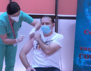 Premierul Florin Cîțu s-a vaccinat anti-COVID-19 ( VIDEO)