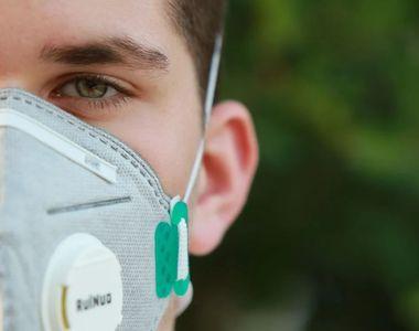 Masca chirurgicală trebuie purtată obligatoriu până în 2023. Anunțul specialiștilor
