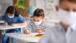 Avertisment: Se pregătesc tăieri masive ale numărului de clase din școli!