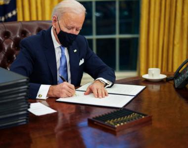 Joe Biden a propus o reformă a legii imigraţiei şi a semnat mai multe ordine executive