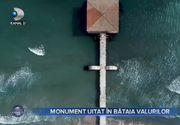 VIDEO - Monument uitat în bătaia valurilor