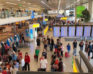Persoanele care ajung în Regatul Ţărilor de Jos trebuie să prezinte un test rapid...
