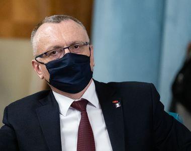 """Sorin Cîmpeanu: """"Apariţia unei noi tulpini a virusului îndeamnă încă şi mai mult la..."""
