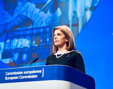 """UE propune un """"mecanism de trasparenţă"""" în privinţa exporturilor de vaccinuri..."""