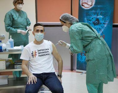 Coordonatorul campaniei naţionale de vaccinare, Valeriu Gheorghiţă, a primit doza de rapel