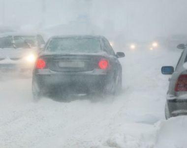 VIDEO - Iarnă grea peste România. Drumuri naționale rămase înzăpezite