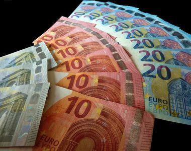 O românca a primit, din greşeală, un salariu de 23.000 de euro. Femeia refuză să dea...