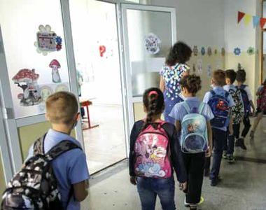 VIDEO - Este modificată structura anului școlar care începe la toamnă