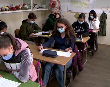 Situația elevilor bolnavi de coronavirus, din școli. Anunțul oficial