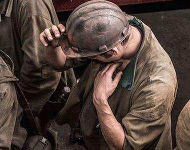 VIDEO - Scene dramatice la Valea Jiului: Unul dintre cei peste 100 de mineri care...